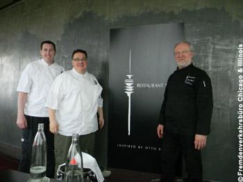 Bild zeigt (von links) Jake Schmidt, Executive Sous Chef des Signature Room, sowie Patrick Sheerin und Otto Koch bei der Veranstaltung im Restaurant 181.