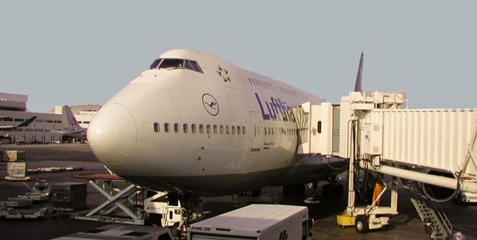 Lufthansa at gate