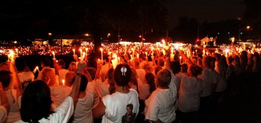 Candlelight Vigil zur Elvis Week in Graceland