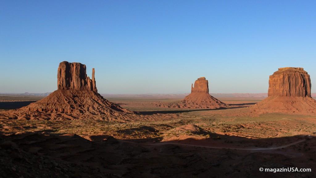 Monument Valley am nachmittag vor Sonnenuntergang