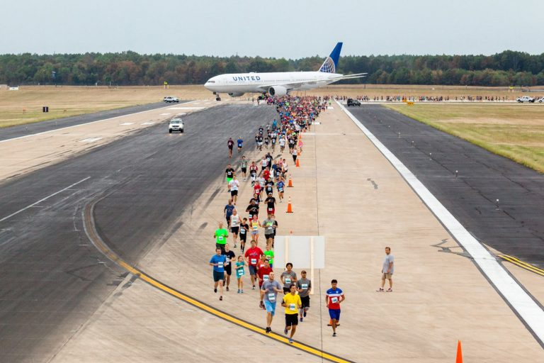 Flughafen Washington Dulles: Running the Runway