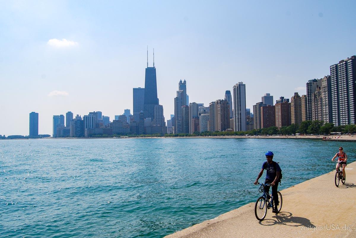 Der Weg entlang des Lake Michigan -- per Fahrrad leicht zu erkunden