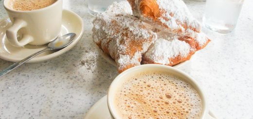 Beignet im Cafe Du Monde in New Orleans, Louisiana
