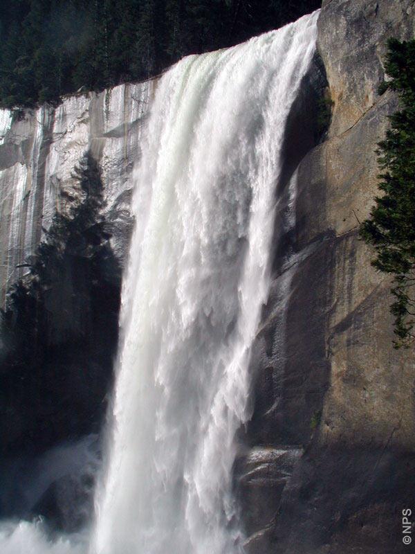 Yosemite Nationalpark -- Vernal Fall gesehen vom Mist Trail