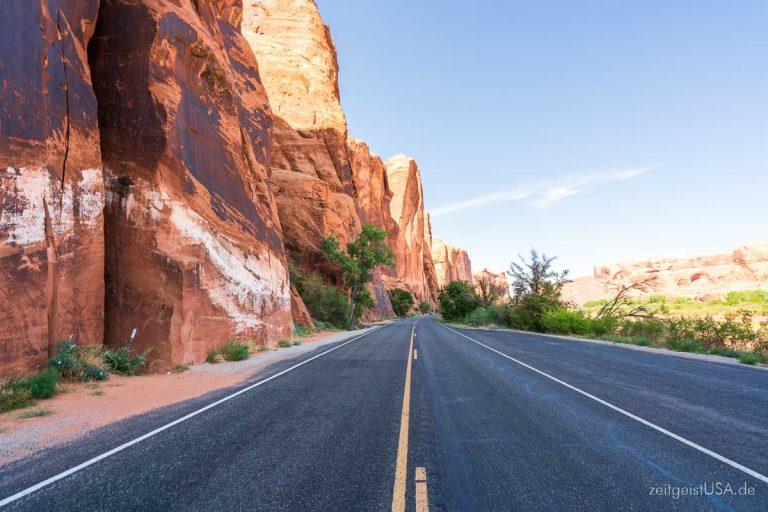 Moab, Utah — eindrucksvolle Aussichten — U.S. Highway 279 (Potash Rd) und weiter zu Shafer Basin