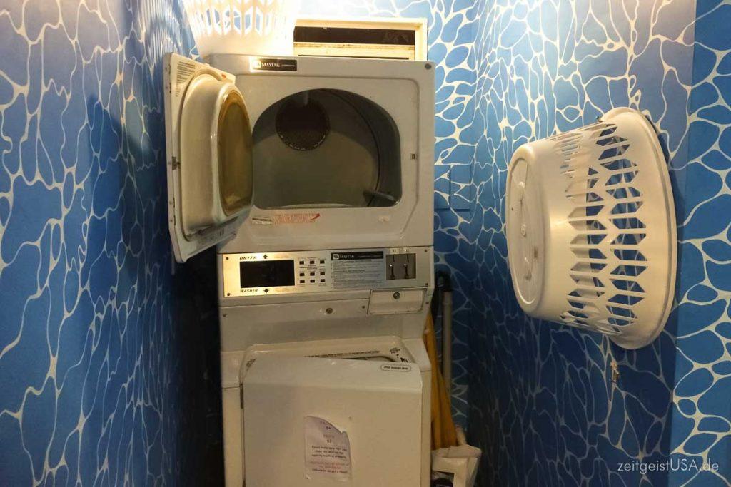 Gemeinschafts Waschmaschine und Trockner -- Hostels sind eine günstige Alternative zu Hotels