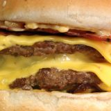Cheeseburger (photo: Beau96080 at English Wikipedia [Public domain], via Wikimedia Commons)