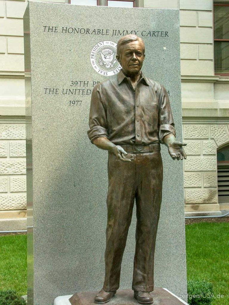 Jimmy Carter Statue