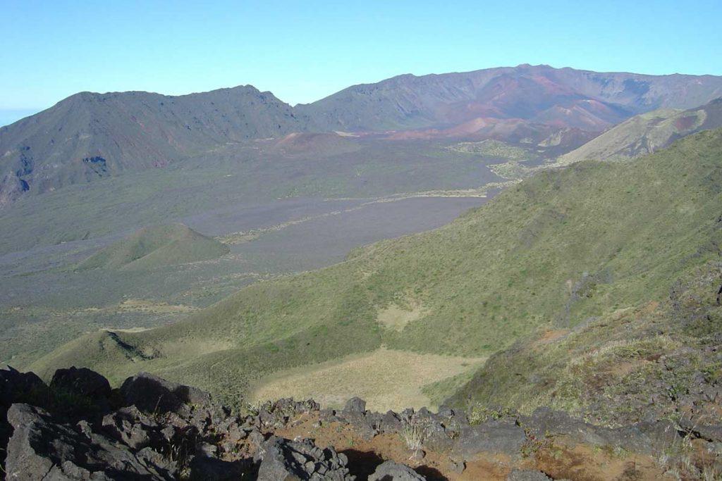 Blick auf den Haleakala Crater von Pohaku Palaha (photo: NPS)