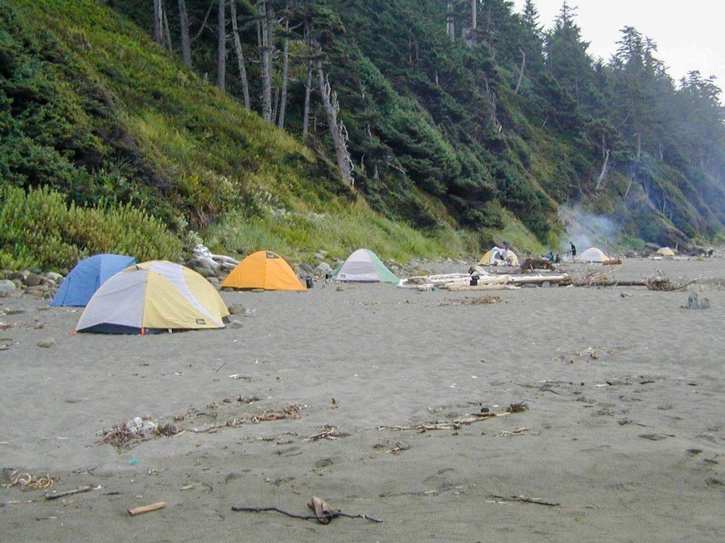 Beach Camping (an einem Wochenene) im Olympic Nationalpark, Washington, USA (photo: NPS)