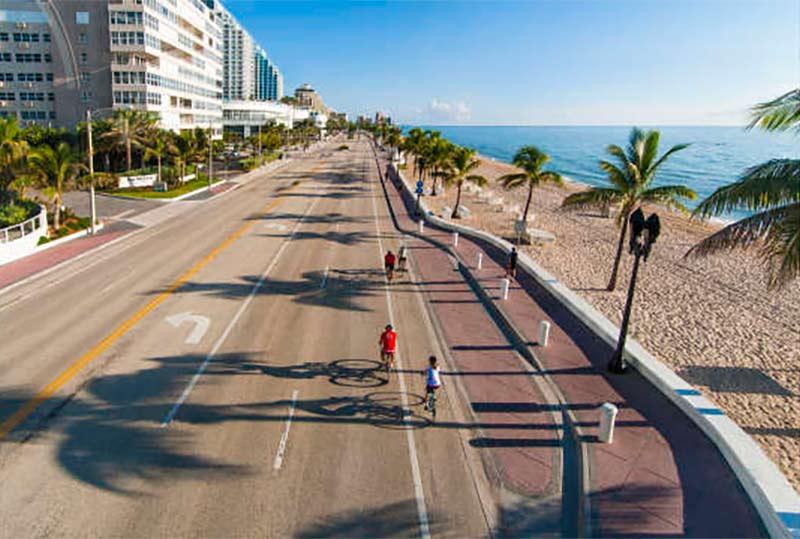 Fort Lauderdale Beach Promenade (credit: GFLCVB, Doug-Castanedo)