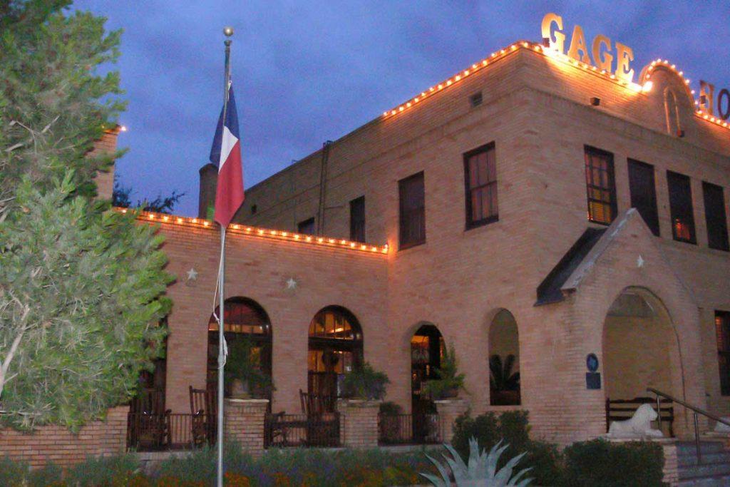 Das historische Gage Hotel in Marathon, Texas