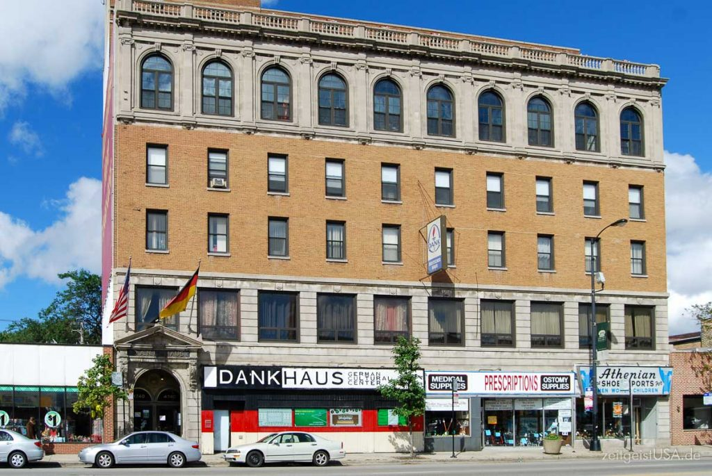 Dank Haus am Lincoln Square in Chicago