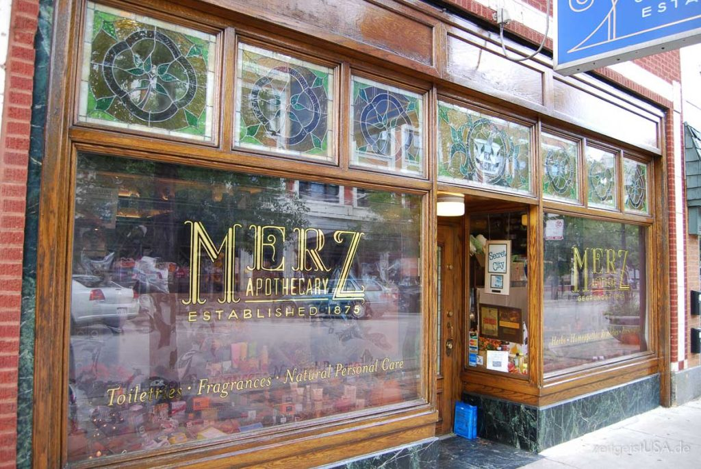 Merz Apotheke in Chicago am Lincoln Square