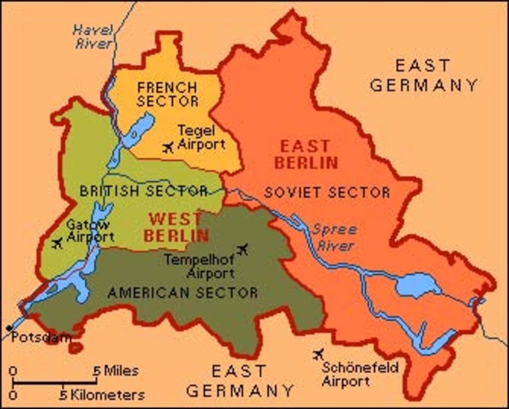 Karte vom geteilten Berlin in 4 Sektoren nach dem 2ten Weltkrieg -- photo credit: USAFE Office of Public Affairs
