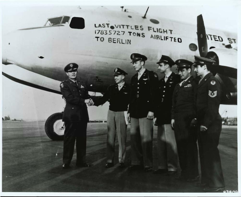 Letzer Flug, Berliner Luftbrücke (photo credit: USAFE Office of Public Affairs