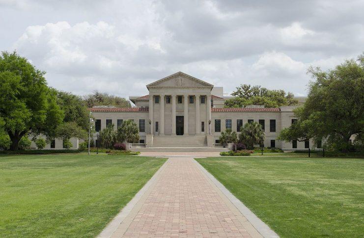 Louisiana State University, Baton Rouge, Louisana [davidpinter / CC BY (https://creativecommons.org/licenses/by/3.0)]