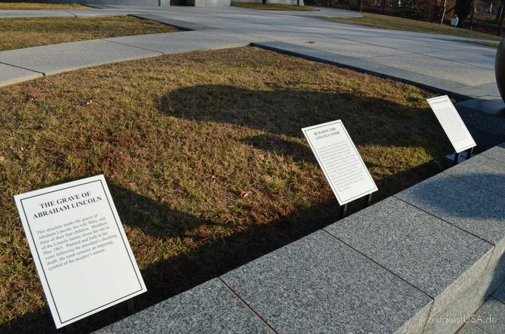 Springfield Oak Ridge Cemetery, Lincoln Tomb