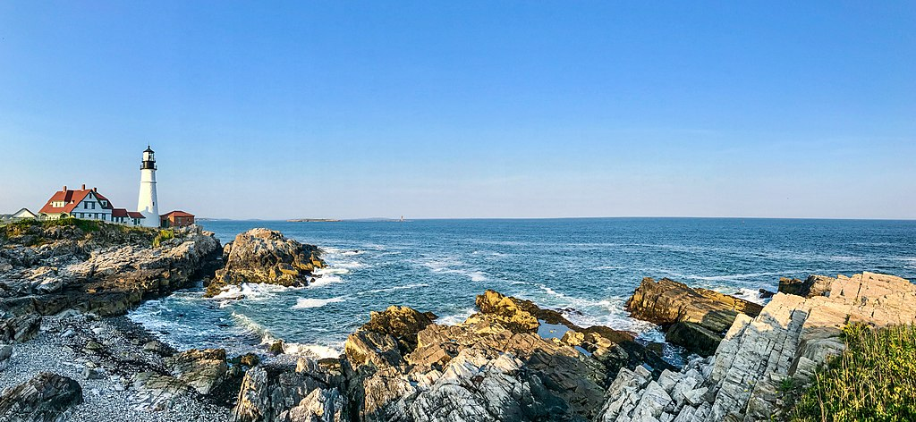 Portland Head Light, Cape Elizabeth, Maine [Geekidharsh / CC BY-SA (https://creativecommons.org/licenses/by-sa/4.0)]