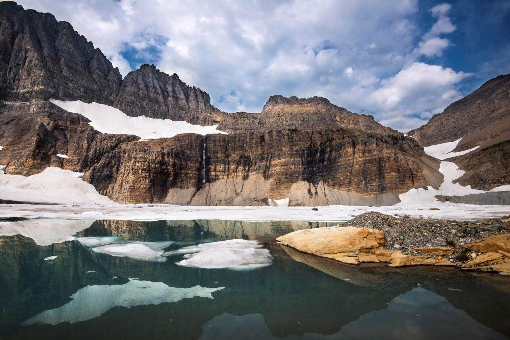 Glacier National Park, Montana, USA -- Grinnnell Glacier Basin -- Schmelzwasser von Grinnell, Gem und Salamander Gletschern speist die Seen des Grinnell Valley im Bereich des Many Gletschers. [photo: NPS/Tim Rains]