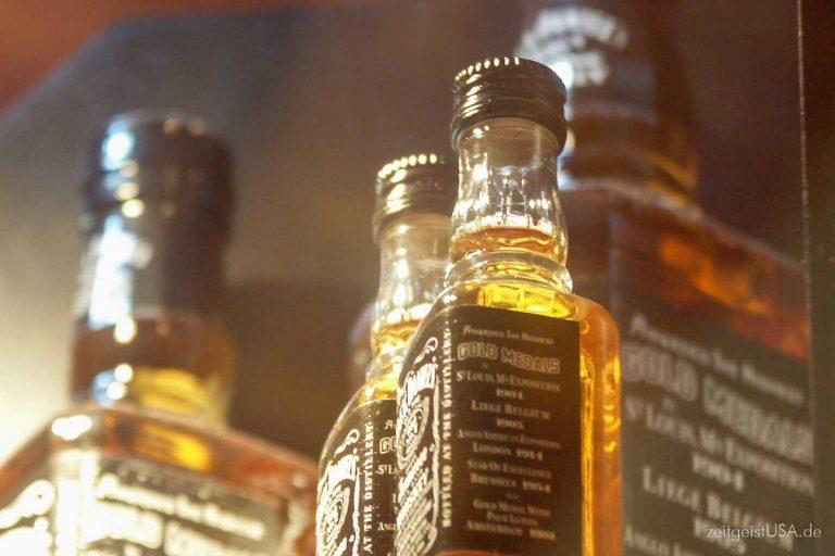 Whisky (Whiskey), Bourbon, Scotch